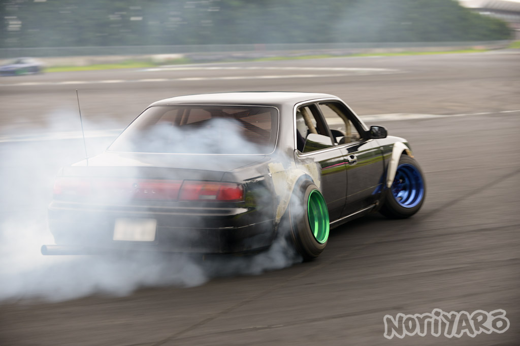 noriyaro_worst_c34_laurel_drift_car_on_steelies_01