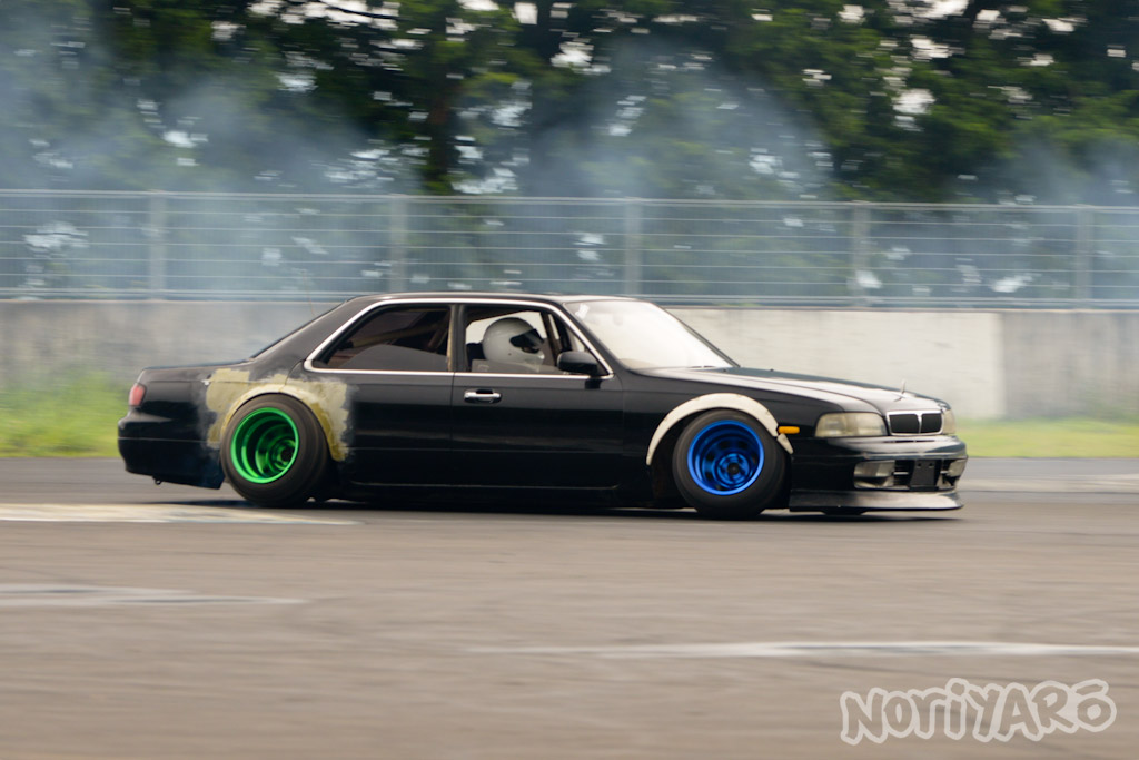 noriyaro_worst_c34_laurel_drift_car_on_steelies_03