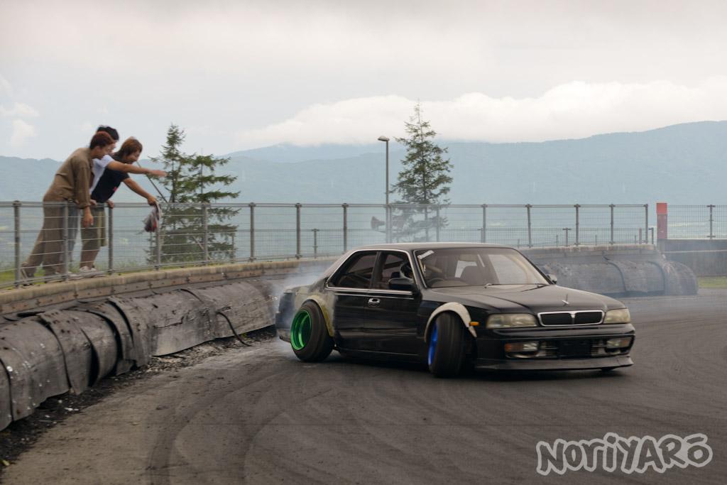 noriyaro_worst_c34_laurel_drift_car_on_steelies_05