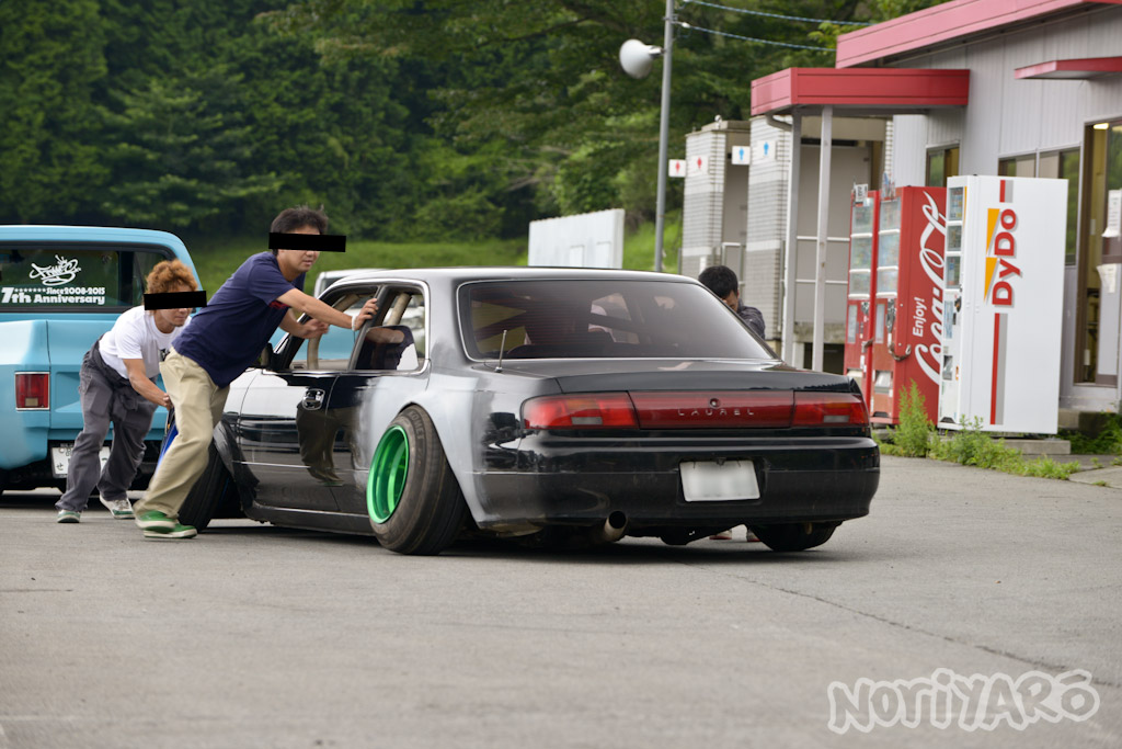 noriyaro_worst_c34_laurel_drift_car_on_steelies_08