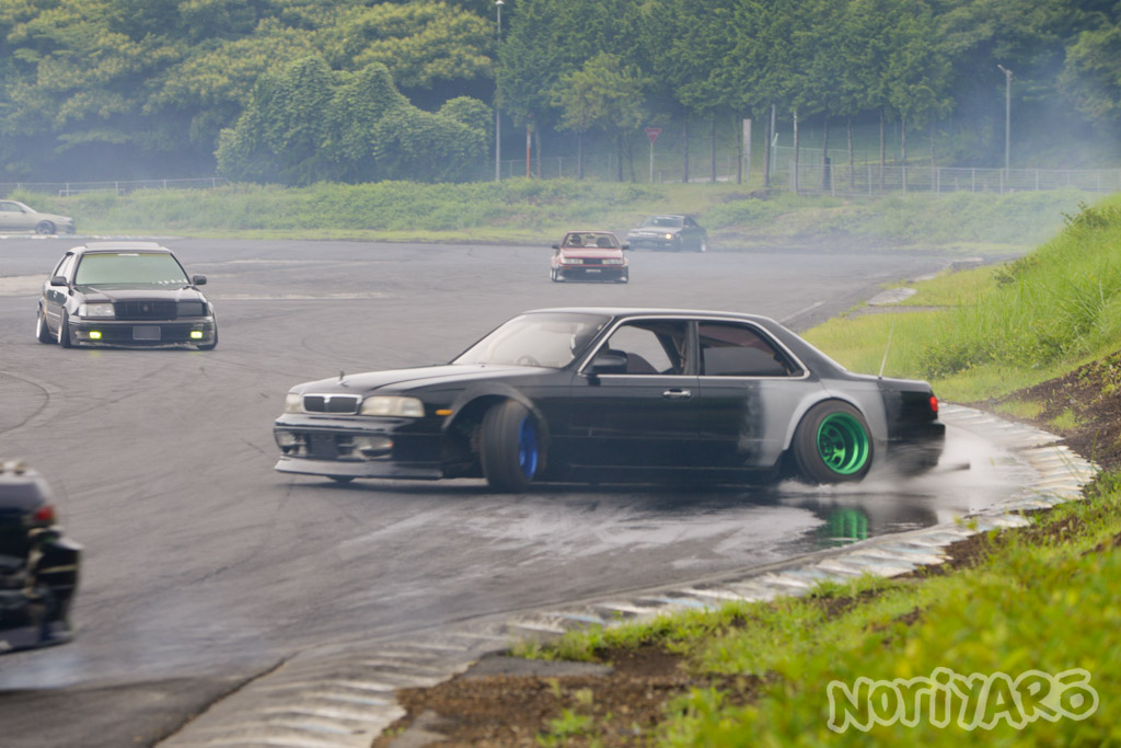 noriyaro_worst_c34_laurel_drift_car_on_steelies_09