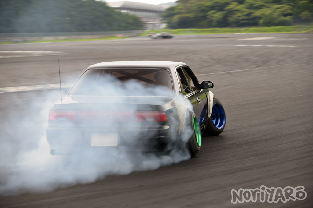 noriyaro_worst_c34_laurel_drift_car_on_steelies_11
